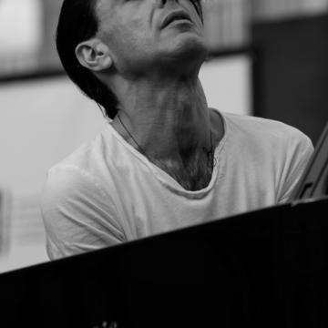 """Addio Ezio Bosso poeta del pianoforte.Amava la Sicilia. Mattarella:""""La musica missione della sua vita"""""""