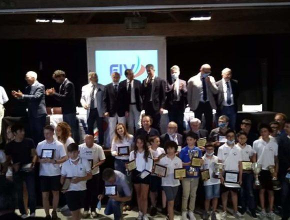 """Premiati i Campioni 2019 della Vela Siciliana alla 76^ Assemblea VII Zona Federazione Italiana Vela: """"A luglio tutti torneranno a regatare"""""""