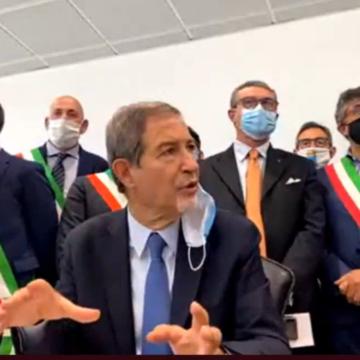 """Musumeci questa mattina all'aeroporto di Palermo: """"Vogliamo capire se Alitalia è una compagnia per gli italiani fino a Reggio Calabria o se lo è fino a Lampedusa"""""""