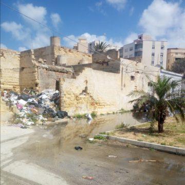 Una discarica in pieno centro a Marsala. Segnaliamo alle autorità questo obbrobrio
