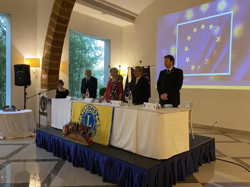 61^ Charter Lions Club, passaggio della Campana. Antonino Arangio é il nuovo presidente