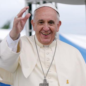 """Non siamo """"passanti dell'esistenza"""". Fare memoria è sentirsi parte di una storia. Oggi Papa Francesco nella solennità del Corpus Domini"""