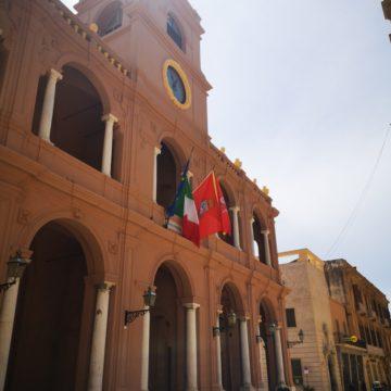 """Creditori di ben 65 stipendi i lavoratori della Casa di Riposo """"Giovanni XXIII"""". Il tema è stato affrontato ieri nella seduta aperta in Consiglio comunale. Assente l'assessore alle politiche sociali Clara Ruggieri"""