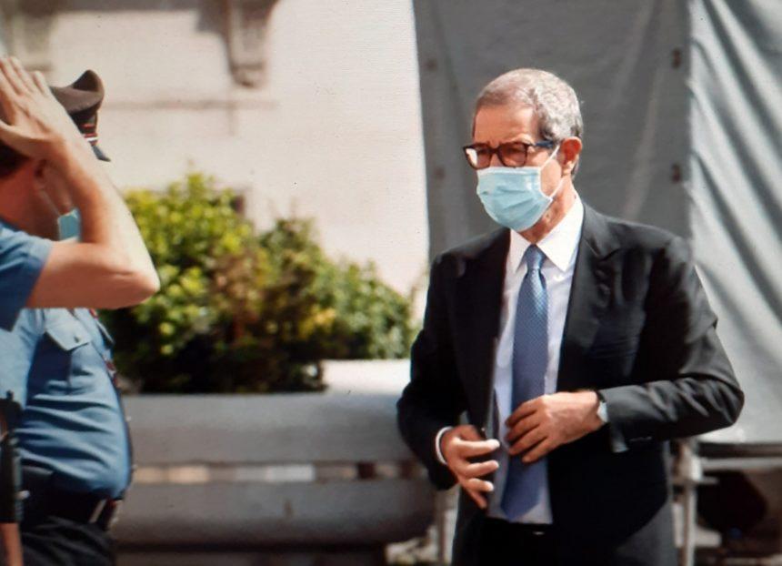 """Coronavirus Sicilia, Musumeci annuncia nuova ordinanza:"""" Mascherina aancora obbligatoria"""