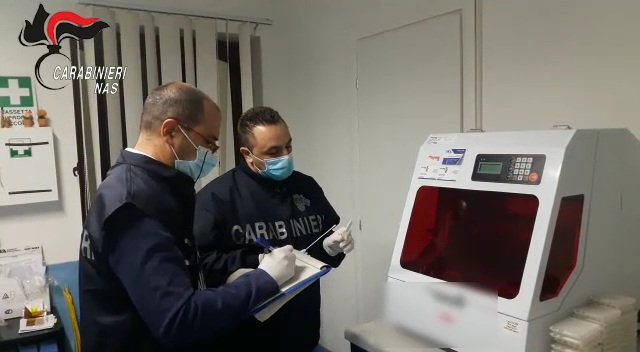 Trapani: esami Codiv-19 con apparecchiature non affidabili. Carabinieri del NAS di Palermo sequestrano un laboratorio