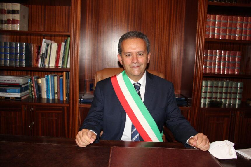 """Il sindaco Massimo Grillo si insedia a Palazzo Municipale """"Lavoreremo  perchè Marsala torni a sentirsi comunità"""""""