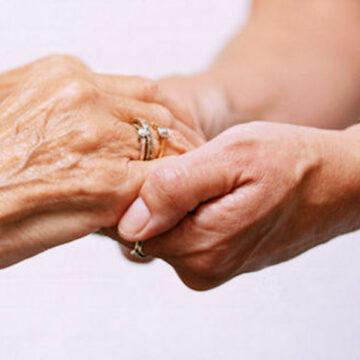 """""""Tendi la mano al povero"""", aiuto straordinario ai bisognosi: il progetto in tutta la Diocesi tramite le Foranie"""