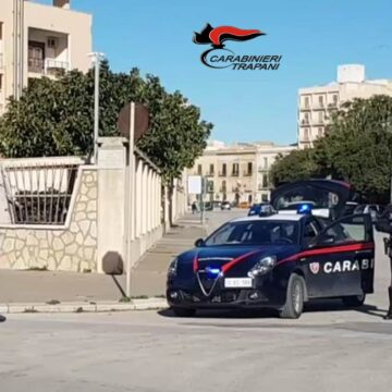Trapani, i Carabinieri arrestano un 25enne: era in possesso di 100 grammi di hashish