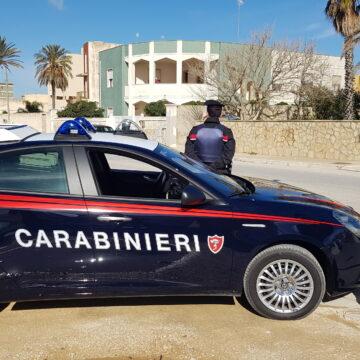 Mazara del Vallo, 33enne agli arresti domiciliari trovato fuori casa dai Carabinieri: denunciato