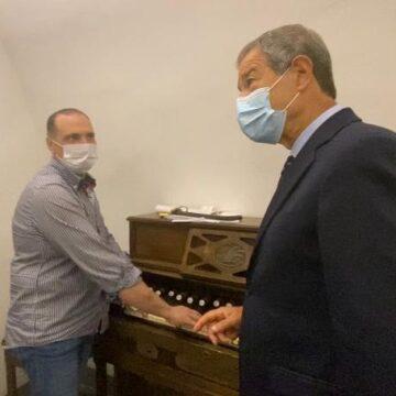 Beni culturali, Musumeci a Chiusa Sclafani incontra l'ultimo organaro: «Una tradizione da tutelare»