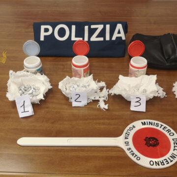 Scappa con 90 dosi di droga: pusher arrestato dalla Polizia di Stato a Trapani