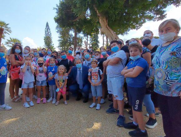 Giardini Orléans, Musumeci accoglie bambini dei quartieri Roccella e Sperone di Palermo