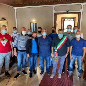 """Consegnato un attestato di riconoscimento ai dieci ospiti della Casa circondariale """"G. Barraco"""" di Favignana che per sei mesi hanno partecipato ad un progetto di utilità sociale"""